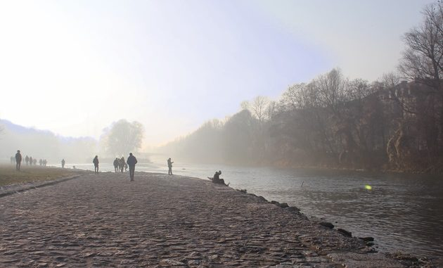Tag-im-Nebel