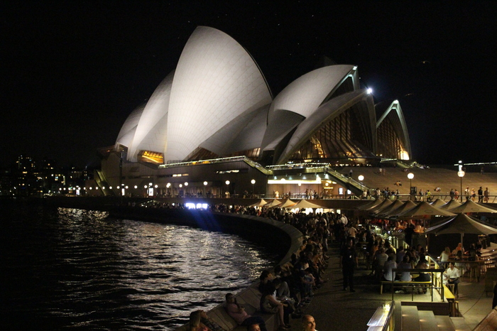Sydney Circular Quay – Opera House bei Nacht