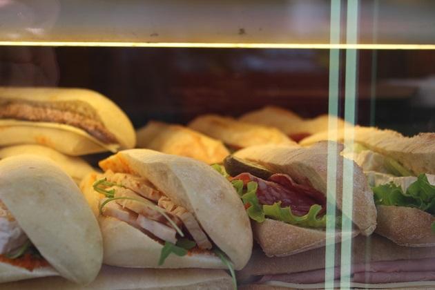 Sandwiches am Stand