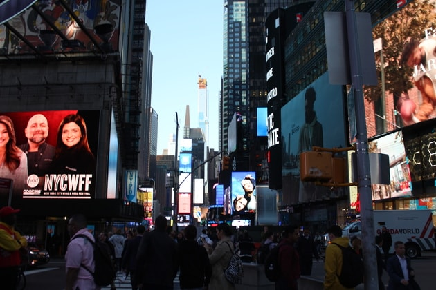 Times Square Welt