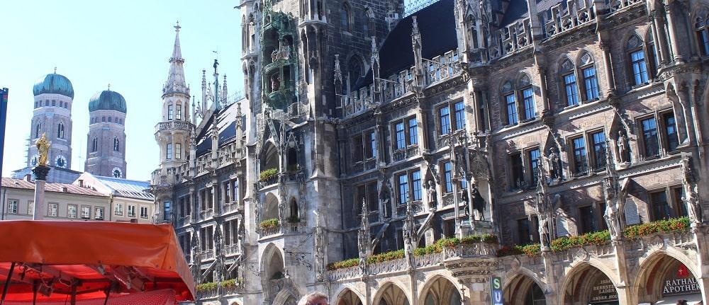 Marienplatz mit dem Neuen Rathaus