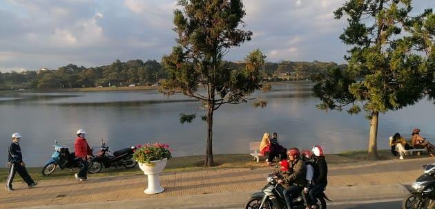 Xuang Huong Lake